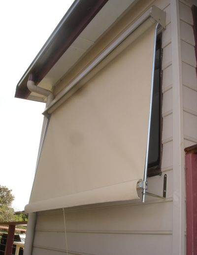 poly outdoor blinds